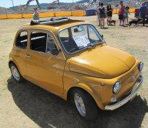 Żółte auto