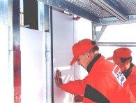 Soudal Panel System umożliwia łatwe i trwałe mocowanie wewnętrznych i zewnętrznych płyt ściennych